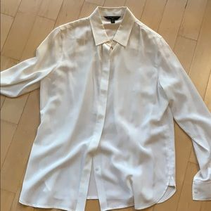 (FREE w/$30)) Banana Republic Silk blouse